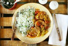 Frankfurti szelet | Street Kitchen Okra, Naan, Frankfurt, Thai Red Curry, Food And Drink, Chicken, Ethnic Recipes, Kitchen, Street