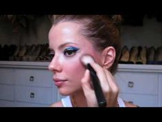 Julia Petit Passo a Passo Duplo Carnaval Maquiagem 2 - YouTube