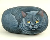 Rock Art gatto certosino = Chartreux cat  This womans talent is awesome! She has a great site and I wish it were in English, but the pictures are great!!! ...MKL...