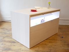 Brooklyn-based furniture and design studio, Analog Modern, unveiled their Hydroponic Kitchen Island at the Model Citizens show for New York Design Week. Zen Office, Urban Apartment, Brooklyn Style, Led Grow Lights, Hydroponics, Hydroponic Gardening, Kitchen Island, Kitchen Design, Living Spaces