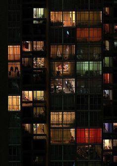 "romantiscetticismo: ""Tante storie dietro i vetri. """