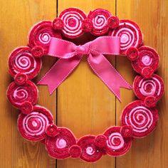 Felted Swirl Wreath tutorial