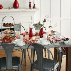 Holiday Table Settings | Holiday tables, Table settings and Crates
