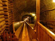 Zjazd 140 m podziemną zjeżdżalnią: Kopalnia Soli w Bochni