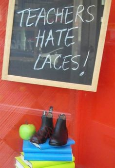 Back to School Display. Display shoes on top of stack of books. Make book covers. Back To School Window Display, Back To School Displays, Window Display Retail, Cool Store, Retail Merchandising, Store Windows, Red Walls, Teacher Blogs