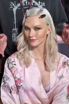 21 Behind-The-Scenes Photos Backstage At The 2017 Victoria's Secret Fashion Show