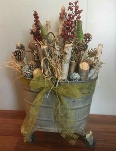 Cabin Christmas, Christmas Yard, Rustic Christmas, Christmas Projects, Christmas 2019, Front Entry Decor, Creative Christmas Trees, Christmas Arrangements, Crafty Projects