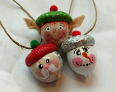 Hand Painted Santa, Elf and Snowmen Acorn Ornaments Pkg … – Crafts Ideas Acorn Crafts, Pine Cone Crafts, Christmas Projects, Fall Crafts, Holiday Crafts, Crafts For Kids, Crafts With Acorns, Diy Christmas Ornaments, Christmas Decorations