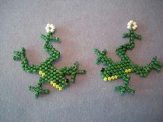 Brick stitch frog pattern