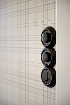 I just love this switch plate. I have to source this! COCOCOZY: SMART DESIGN: PLAID KITCHEN!