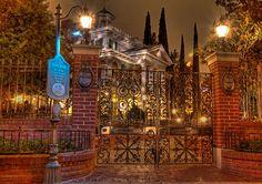 Haunted Mansion <3 (Disneyland)