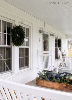 Keeping It Cozy: Christmas Porch