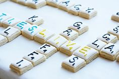 scrabble cake Clark you have to make cookies like this! Scrabble Cake, Scrabble Wedding, Scrabble Letters, Iced Cookies, Fun Cookies, Sugar Cookies, Decoration Patisserie, I Am Baker, Fiesta Party