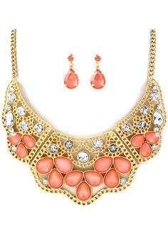 Maggie Teardrop Necklace in Crystal Coral