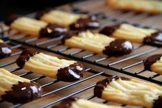Les Marquisettes sont des biscuits de la marque Delacre bien connus en Belgique. Il s'agit d'un sablé de forme (presque) ovale, nappé...