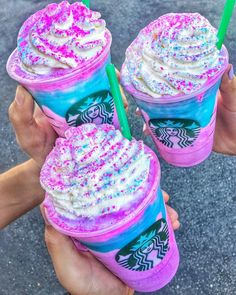 Unicorn Frappuccino – Starbucks | No unicorn drink list is complete without the insta-famous Unicorn Frappuccino by Starbucks. This sparkly color-changing beverage took the unicorn food craze to a new high.