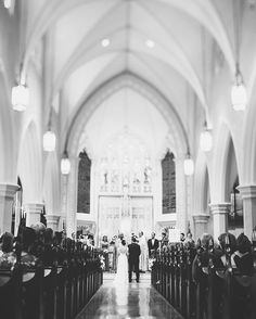 Grace Cathedral Church wedding in Charleston, SC. | Photography by @billiejojeremy. | @ooh #charleston #churchwedding #weddingphotographer #charlestonweddingphotographers #chswedding #downtown #love