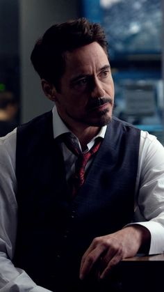 This Iron Man Quiz will really tickle your brain cells. Best Quiz ever on Tony Stark played by Robert Downey Jr. Become an Avenger if you get 10 on Marvel Man, Man Thing Marvel, Marvel Actors, Marvel Comics, Iron Man Wallpaper, Tony Stark Wallpaper, Dr Who Wallpaper, Hd Wallpaper, Robert Downey Jr.