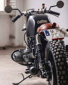 """5,262 Likes, 17 Comments - Cafe Racers and Vintage Bikes (@streetcaferacers) on Instagram: """"Details ✌TAG YOUR BUDDIES #streetcaferacers TAG us to be featured ✅Turn on my Daily…"""""""