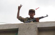 11 ينتظرون الاعدام و 100 مخطوفين : أطفال اليمن.. ويلات الصراعات وضعف الحماية http://khazn.com/11-%d9%8a%d9%86%d8%aa%d8%b8%d8%b1%d9%88%d9%86-%d8%a7%d9%84%d8%a7%d8%b9%d8%af%d8%a7%d9%85-%d9%88-100-%d9%85%d8%ae%d8%b7%d9%88%d9%81%d9%8a%d9%86-%d8%a3%d8%b7%d9%81%d8%a7%d9%84-%d8%a7%d9%84%d9%8a%d9%85/