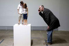 Artips - 'Si mignons ?' Ron Mueck (Belle amorce pour un projet sur l'intimidation, la violence, le paraître...)