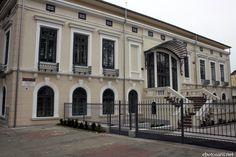 Casa Ventura (1872), Bd. Eminescu Mihai 50, Botoșani Mansions, Architecture, House Styles, Home Decor, Europe, Mansion Houses, Arquitetura, Decoration Home, Manor Houses