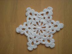 EmmHouse: Easy to make Snowflake/ Star - free crochet pattern.