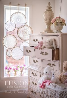 Vintage Little boho furniture makeover with an awesome display! - A weekly link party of DIY projects, crafts, interior design and decor and recipes. Repurposed Furniture, Cheap Furniture, Shabby Chic Furniture, Kids Furniture, Vintage Furniture, Furniture Decor, Painted Furniture, Bedroom Furniture, Furniture Design