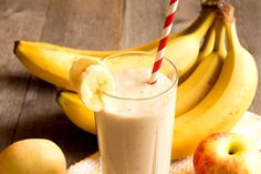 -Banana is considered an energy booster fruit. -There are numerous health benefits of banana juice. -It improves your memorizing capacity. Apple Smoothies, Healthy Smoothies, Healthy Drinks, Healthy Snacks, Healthy Juice Recipes, Healthy Juices, Smoothie Recipes, Milkshake Recipes, Milkshakes
