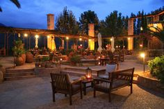 #mallorca #landhotel #fincahotel #adultsonly #hotel #urlaub In einer der landschaftlich reizvollsten Gegenden auf Mallorca haben wir das wundervolle Hotel Finca Ca N'Ai auf Mallorca entdeckt. Im Nordwesten der Insel, zwischen Sóller und Port de Sóller gelegen, befindet sich das traumhafte Fincahotel auf einem weitläufigen Grundstück. Umgeben von üppigen Palmen, Zitronen-, Orangen- und Olivenplantagen wird in diesem Adults only FincaHotel auf Mallorca der Traum vom mediterranen Landleben…