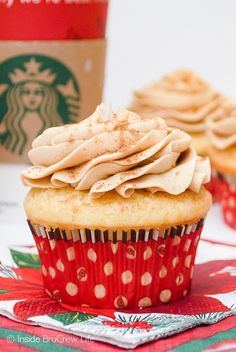 Eggnog Latte Cupcakes : Soft eggnog cupcakes topped with a creamy coffee frosting makes the perfect treat for the holidays. Eggnog Cupcakes, Peppermint Cupcakes, Hot Chocolate Cupcakes, Swirl Cupcakes, Coffee Cupcakes, Cupcake Cakes, Cupcake Fillings, Cup Cakes, Christmas Cupcakes