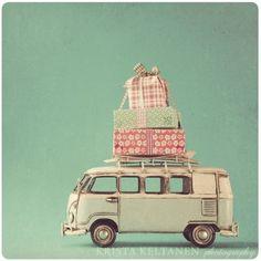 I have wanted a little comby van like this for SO long!!!! SOOOOOOOOOOOO LONG!!! I still want one for my laundry!!!