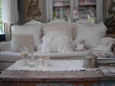 Décoration de charme shabby chic décoration romantique coussin broderie monogramme volant chanvre peinture lampe patine abat jour lustre pam...