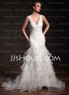 Vestidos de novia - $205.59 - Corte sirena Escote en V Cola capilla Organza Satén Vestidos de novia con Volantes (002011678) http://jjshouse.com/es/Corte-Sirena-Escote-En-V-Cola-Capilla-Organza-Saten-Vestidos-De-Novia-Con-Volantes-002011678-g11678