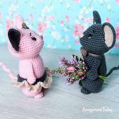 Little romantic mice life  Do you want to make this crochet project? ....#amigurumitoday #amigurumi #crochet #crochettoys #crochettoy #amigurumitoys #amigurumitoy #amigurumidolls #amigurumipattern #amigurumipatterns #crochetpatterns #crochetpattern #crocheting #örgü #crafting #crochetedtoys #amigurumis #häkeln #amigurumidoll #crochetdoll #crochetdolls #crochetproject #crocheted #mice #plushies  #Regram via @amigurumitoday
