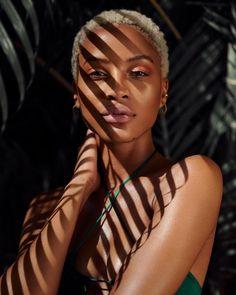 Self Portrait Photography, Photo Portrait, Photography Poses Women, Beauty Photography, Creative Photography, Morning Photography, Photographie Portrait Inspiration, Foto Fashion, Photoshoot Themes