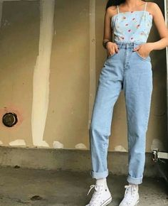 Pin of Pauline Garcia on outfits in 2018 - fits your own style instead of . - Pin of Pauline Garcia on outfits in 2018 – Fits your own style instead of hours of preparation Fi - Mode Outfits, Retro Outfits, Trendy Outfits, Vintage Outfits, Summer Outfits, Jean Outfits, Blue Jeans Outfit Summer, 90s Style Outfits, Vintage Dress
