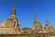 The ancient city of Ayutthaya - the perfect day trip from Bangkok!