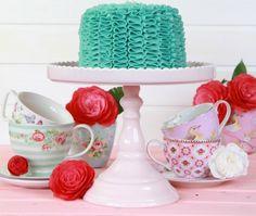 Si el fondant no es lo tuyo aprovecha estas técnicas para decorar tortas y pasteles con maga. Aprovecha estas técnicas y dale rienda suelta a la creatividad