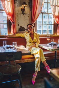Yellow suit with pink heels. Estilo Blogger, Fashion Shoot, Editorial Fashion, Fashion Outfits, Fashion Tape, Plaid Outfits, Fashion Heels, Skirt Outfits, Women's Fashion