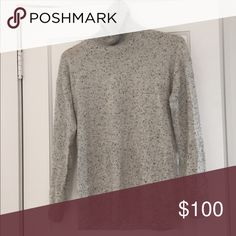 Everlane Cashmere Turtleneck Sweater Grey/Black Women's Small 100% cashmere sweater. Oversized fit. Pretty grey speckled. Worn just a couple of times, but doesn't suit me. Everlane Sweaters Cowl & Turtlenecks