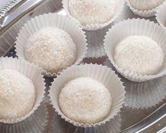 Vanilla Cake, Muffin, Breakfast, Food, Candy, Mascarpone, Coconut, Raffaello, Morning Coffee