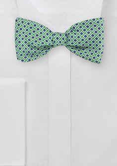 Stylische Selbstbindefliege Retro-Pattern grün