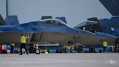 Airforce Raptors from the Fighter Squadron partake in Talisman Sabre Jaryd Stock reports. Fighter Pilot, Fighter Jets, Navy Training, F22 Raptor, Air Show, Warfare, Air Force, Aviation, Aircraft