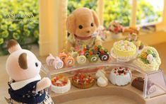 2016.3.17 放置中の森のケーキ屋さんに並べてみましたトイプードルのお母さんは月にこのお店の隣に新しいケーキ屋さんを開く予定なので偵察中です(笑) #clay #cake #rollcake #miniaturesweet #miniaturesfood #miniature #fakesweets #樹脂粘土 #ミニチュアスイーツ #ミニチュア #ミニチュアフード #ケーキ #ロールケーキ #ドールハウス #dollhouseminiatures #dollhouse #calicocritters #sylvanianfamily #sylvanianfamilies #シルバニアファミリー #シルバニア #ケーキ屋#ハンドメイド #handmade by asu.hana