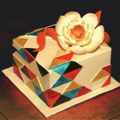 birthday_flower_cake_narozeninovy_dort_trojuhelniky_dortovi