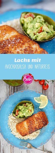 Hier ein schnelles 15 Minuten Rezept: Lachs mit Avocadosalsa und Naturreis! Gesunde und leckere Mahlzeit!