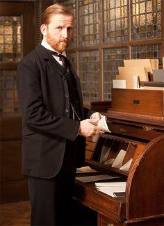 MR.  GROVE, Chief of Staff on MR.  SELFRIDGE