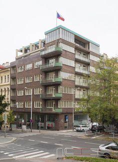 Zaoceánský parník v srdci Vinohrad: Zrekonstruovaný funkcionalistický skvost nyní hledá nové nájemníky