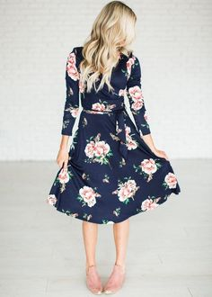 Navy wrap midi dress cute for fall Affiliate link